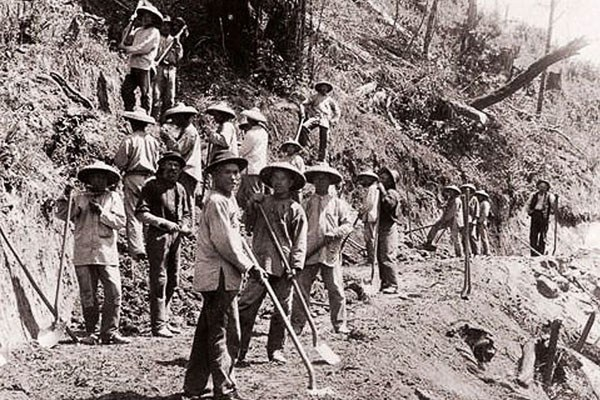 trabajadores-chinos-eeuu-1.jpg