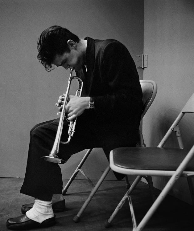 CHET-BAKER-1953-by-BOB-WILLOUGHBY-1927-2009-BHC0042