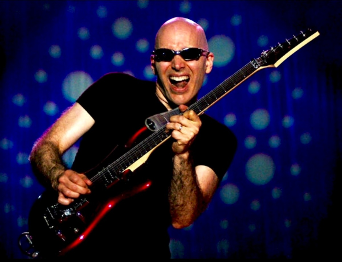 Joe Satriani (Flying in the Blue Dream)